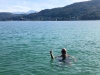 Erfrischendes Bad dafür alleine im See