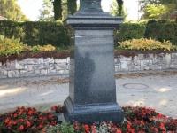 Ernst Wahliss Denkmal vor dem Parkhotel