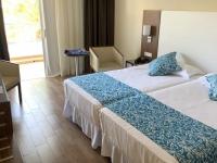 1 2019 10 19 RIU Arecas schöne moderne Zimmer