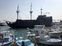 2019 11 09 Ayia Napa Hafen mit Piratenschiff