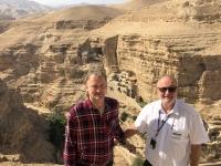2019 11 25 Wadi Kelt mit Georgskloster und Franz Leitner