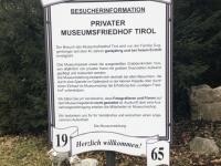 Besucherinfo des Museumsfriedhofes