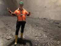 Gesteinsprobe aus dem Haupttunnel für die Sammlung