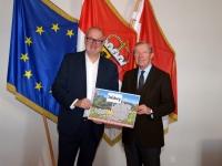 2020 01 14 Haslauer Dr Wilfried LH Salzburg mit Gemeindetaferl Landesfoto