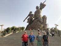 2020 02 14 Dakar an Fusse des Denkmal der afrikanischen Wiedergeburt