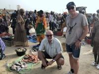 2020 02 13 Fischmarkt Gaya Angebot direkt im Sand