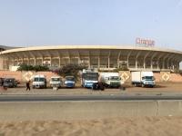 2020 02 14 Dakar Vorbeifahrt an Fussballstadion
