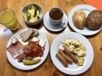 2020 03 07 Umfangreiches und sehr gutes letztes Frühstück