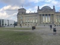 2020 03 04 Reichstag mit 2 x Gerald