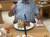 2020 07 04 Papenburg Hotelrestaurant Arkadenhaus perfekte Burger zum Abendessen