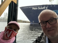 2020 07 07 Wilhelmshaven Hafenrundfahrt vorbei an der TUI Mein Schiff 5
