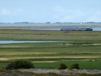 2020 07 09 Morsum blauer Autozug über Hindenburgdamm