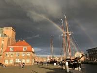 2020 07 10 Wismar alter Hafen doppelter Regenbogen