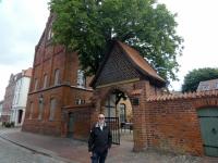 2020 07 11 Wismar Heiligengeistkirche Portal dient der SOKO Wismar als Polizeieingang