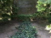 2020 07 14 Insel Hiddensee Grab von  Gerhard Hauptmann