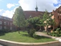 2020 07 11 Wismar Heiligengeistkirche Innenhof