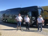 2020 08 21 Der neue Teambus für SV Guntamatic Ried mit Busfahrer Klaus und Franz