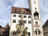 2020 08 24 Würzburg altes Rathaus mit Vierröhrenbrunnen