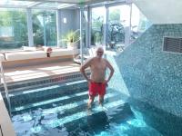2020 08 25 Pool Amadeus Queen