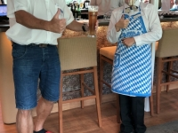 Kellnerin Niken aus Indonesien
