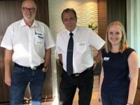Kreuzfahrtdirektor Bernd Dykierek mit Kollegin Isabella Venzl