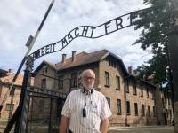 2020 09 04 Auschwitz bekanntes Eingangstor