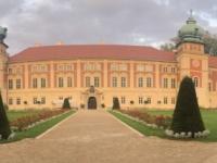2020 09 02  Lancut Schloss Eingangsseite