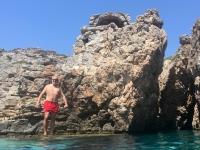 2020 09 09 Insel Saria Badebucht Palatia kurz vor dem Sprung
