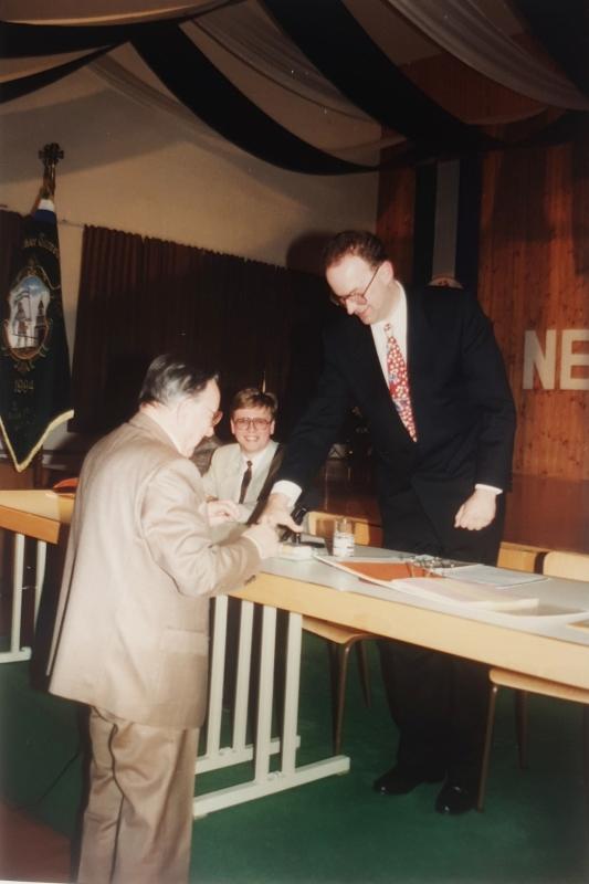 1994 04 08 Altobmann Dr Lehner bei der Amtsübergabe bei der JHV