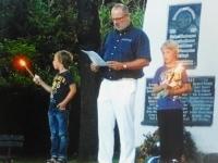 2012 06 23 Sonnwendrede von Obmann Gerald Stutz beim Turnerdenkmal