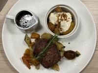 Abendessen in Lachingers Kitchen und Wine_Filet vom Innviertler Jungstier