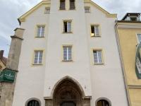 Stadthotel ehemaliges Bürgerspital und Kirche