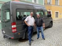 Taxibusunternehmer und Fahrer Hans Piffer
