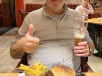 Perfekter pulled Beef Burger mit Weissbier