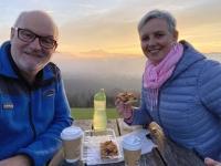 Kaffee und Kuchen am Gahberg mit Sonnenuntergang