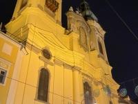 Ursulinenkirche im gelben Licht