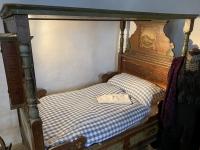 Schlafkammer mit Himmelbett