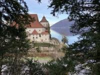Blick auf das Kloster Traunkirchen