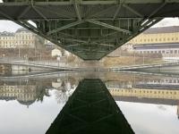 Unter der Traunbrücke