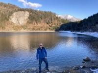 Links ist der See noch gefroren