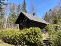 Kleine Hütten auf der gegenüberliegenden Seite
