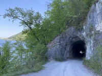 Erster Tunnel