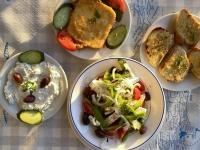 2021 05 31 Tsatsiki und griechischer Salat