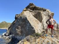 2021 05 24 Patmos Felsen Kallikatsou am Petra Strand vor Besteigung