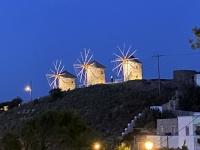 2021 05 24 Patmos Windmühlen bei Nacht