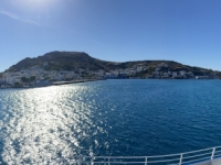 2021 05 23 Fährenfahrt Einfahrt in den Hafen von Patmos in Skala