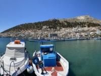 2021 05 29 Kalymnos Pothia Fischerhafen mit Kloster am Berg