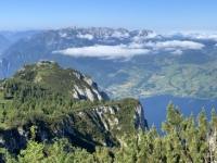 2021 06 24 Blick vom Gipfelabstieg auf Traunsteinhaus