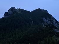 Gmundner Hütte und Gipfelkreuz