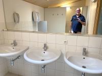 WC und Waschraum für uns alleine